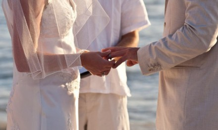 15 Professional Planning Tips to Help You Have a Beautiful Beach Wedding
